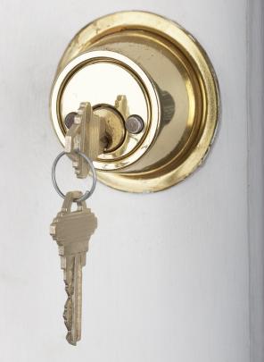 24 hr Emergency lock opening, Liverpool, Wirral, St Helens, Warrington, Northwich, Winsford.